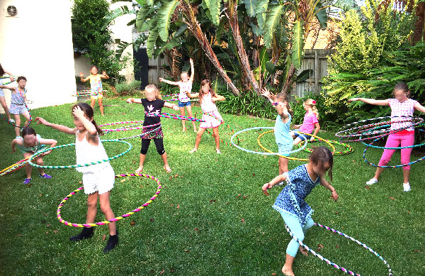 kids hula hoop parties northern beaches face painter. Black Bedroom Furniture Sets. Home Design Ideas